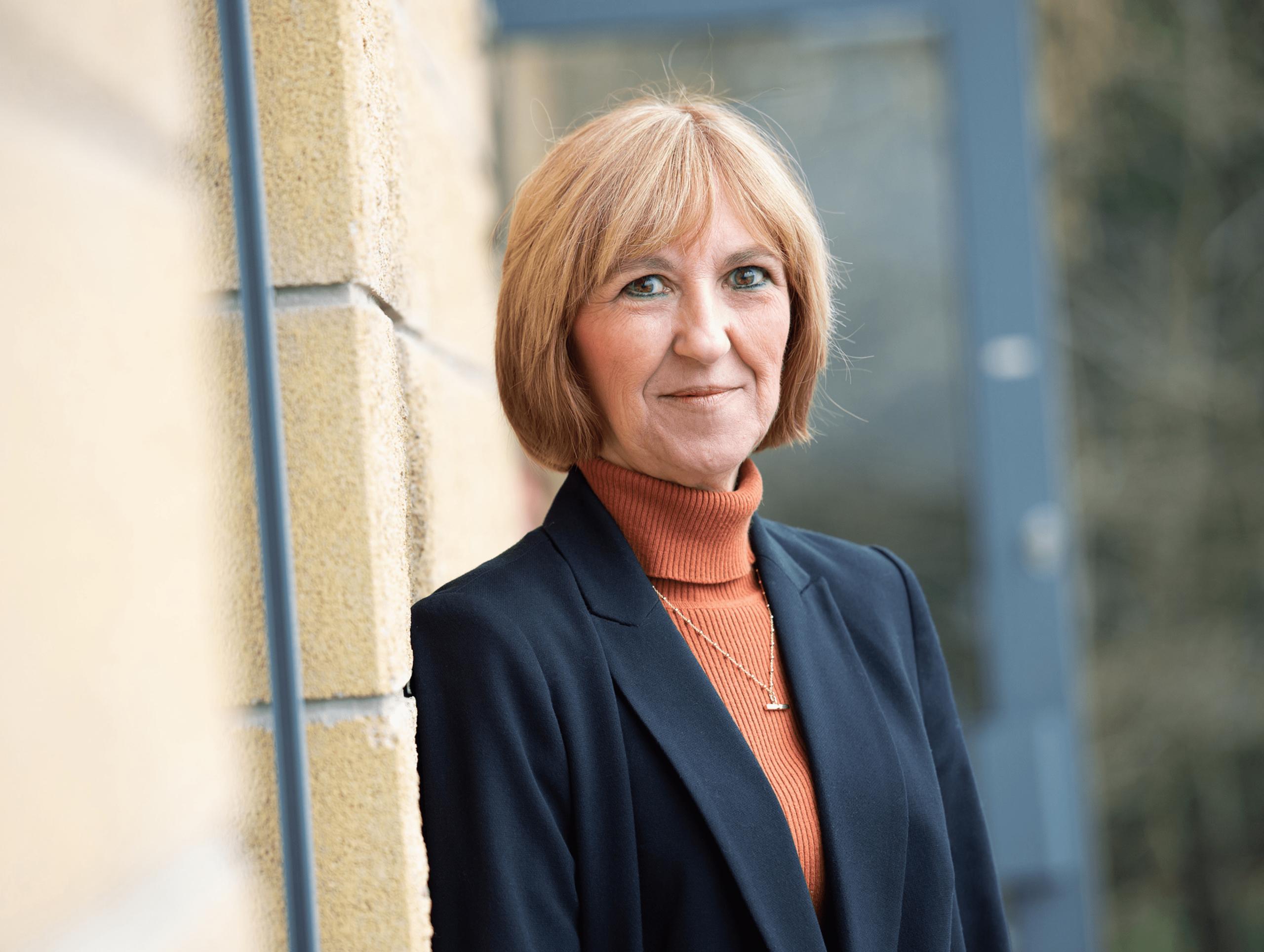 Angela Dutton